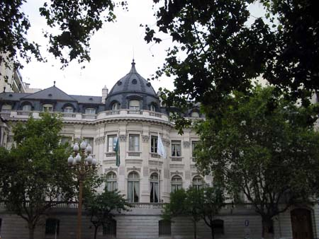 embaixada-do-brasil.jpg